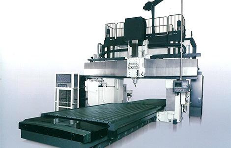 五軸加工機MCR-BⅢ